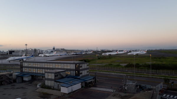羽田イノベーションシティ足湯スポットから見た風景を撮った写真