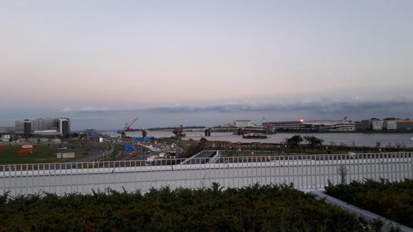 羽田イノベーションシティから羽田空港と川崎の結ぶ羽田連絡道路を撮った写真