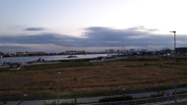 羽田イノベーションシティから見える多摩川を撮った写真