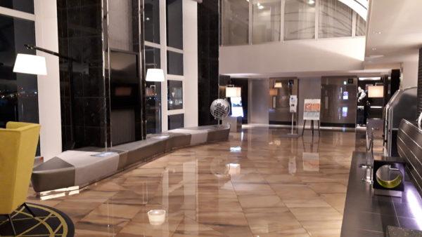 ロイヤルパークホテル羽田のロビーの様子を撮影した写真